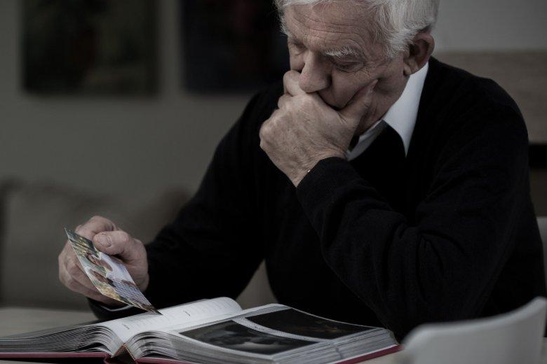 Időskori elmagányosodás: mit tehetünk ellene?