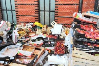 Csaknem kétmillió lejes büntetést kaptak nagy üzletláncok a pocsék zöldségek és gyümölcsök miatt