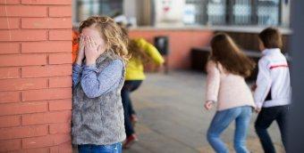 Kastélyozás, labdabújócskázás: okostelefon nélküli gyerekvilág
