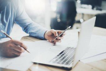 Elősegíteni a kommunikációt az üzleti élet szereplői között