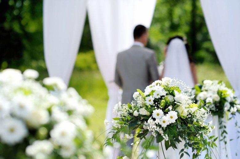 Tartják magukat a megbeszéltekhez: nem mondják le az esküvőket a pápalátogatáskor