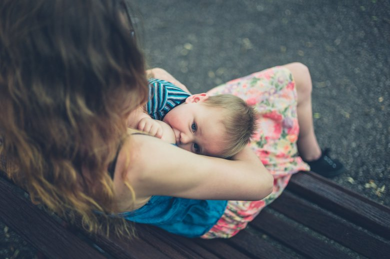 Nyilvános szoptatás: leomlóban a tabuk