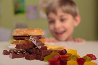Az ünnepi édességek címkéire figyelmeztet a fogyasztóvédelem