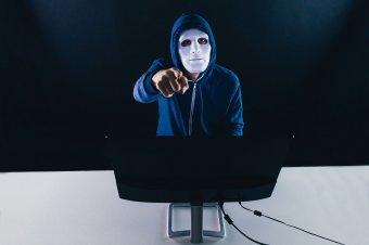 Kiberbűnöző bandára csapott le a DIICOT