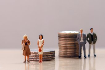 Az európai nők átlagosan 15 százalékkal kevesebbet keresnek, mint a férfiak, Romániában nem is olyan rossz a helyzet