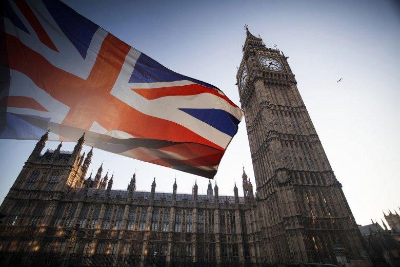 Koronavírus járvány: Nagy-Britanniát felébresztette a valóság