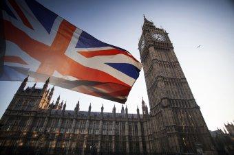 Nagy-Britannia igyekszik a külföldön beoltottakra is kiterjeszteni a karanténmentességet