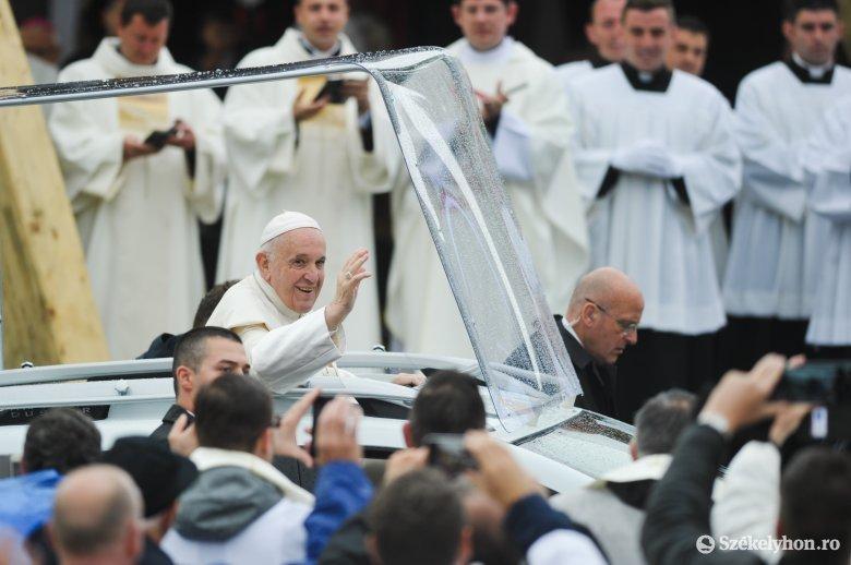 Névnapi ajándék: Ferenc pápa öt lélegeztetőgépet adományozott a suceavai kórháznak