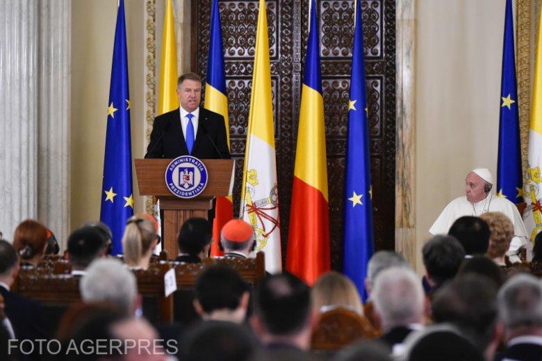 A kisebbségi kérdések példaértékű kezelésével dicsekedett Johannis a pápának