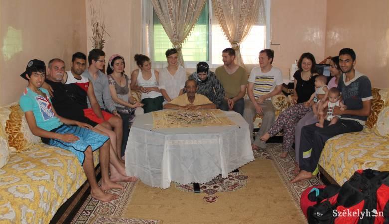 Afrikai turnén az Osonó – Vendégségben az arab családnál (folytatás)