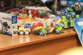 A fogyasztóvédelem óvatosságra inti a szülőket a gyereknapi ajándékvásárlás kapcsán
