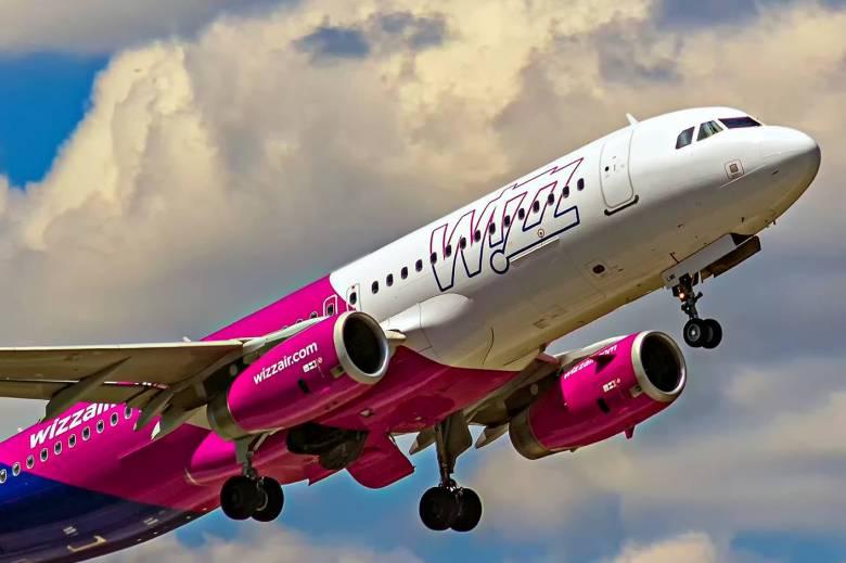 24f26130f492 Átverés az egyeurós repülőjegyet kínáló, a Wizz Airnek tulajdonított ...