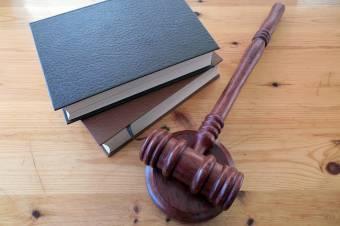 Alkotmánybíróság: indoklás nélkül nem hirdethető ítélet a büntetőjogi perekben