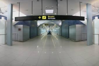 A vártnál korábban szállt le Juncker gépe: elmaradt a reptéri találkozó Viorica Dăncilă és az EB elnöke között