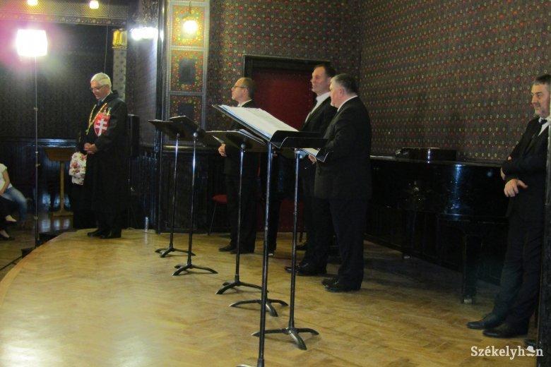 Telt házas előadással köszöntötték az húszéves Cantuale énekegyüttest