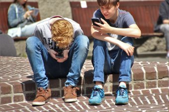 """""""Van egy hibája. Sajnos internetes"""" – Diákok a virtuális barátságról"""