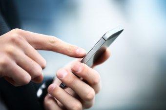 Az igazságügyi miniszter újra próbálkozna a mobil feltöltőkártyák személyi igazolvány nélkül történő vásárlásának betiltásával