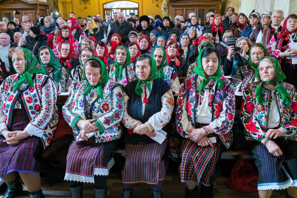 Harmincéves küzdelem után tarthattak magyar misét a csángók Bákóban