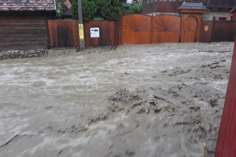 Hatalmas mennyiségű víz zúdult Alcsíkra