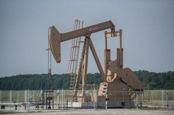 Spekuláció állhat a hétfői olajár-zuhanás mögött