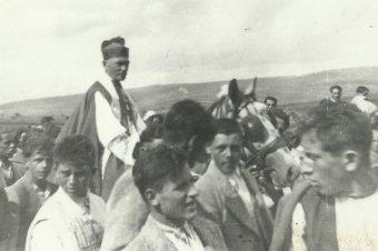 Hetven éve vonult be fehér lovon Márton Áron püspök Csíksomlyóra