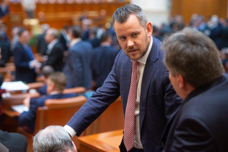 Antal Lóránt a szenátus energetikai és altalajkincsek kitermelésével foglalkozó bizottságának új alelnöke (x)