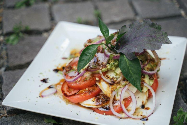 Ízletes, egészséges saláták a Főnix Konyhától