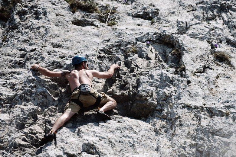 Egyensúlyozás hatvan méter magasban az Egyes-kőnél