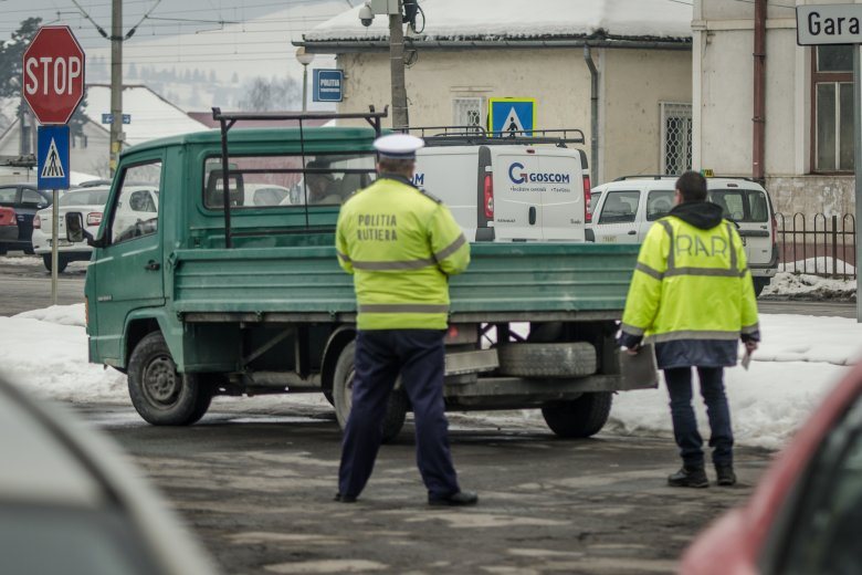 RAR-ellenőrzés az utakon: a megállított autók csaknem fele műszaki hibásnak bizonyult