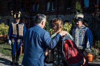 Megérkezett Tusnádfürdőre Orbán Viktor
