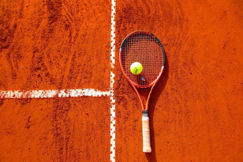 Teniszversenyre készülnek Csíkszeredában