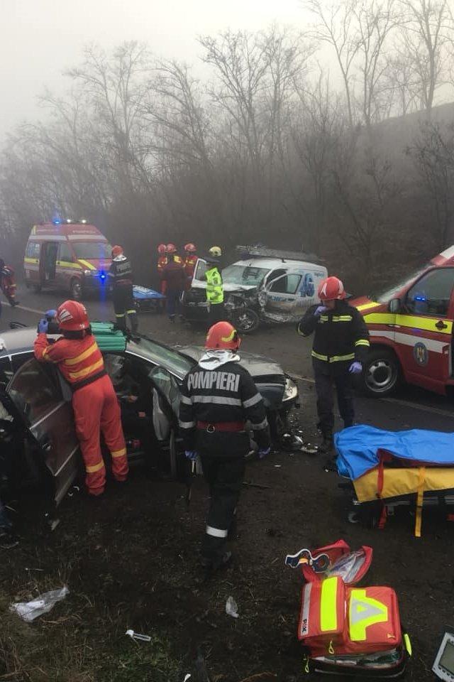 Két autó ütközött, négyen sérültek meg