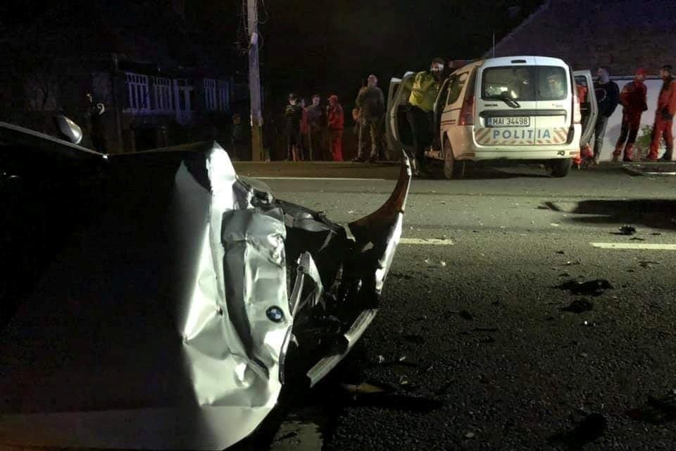 Súlyos balesetet okozott egy rendőrautó