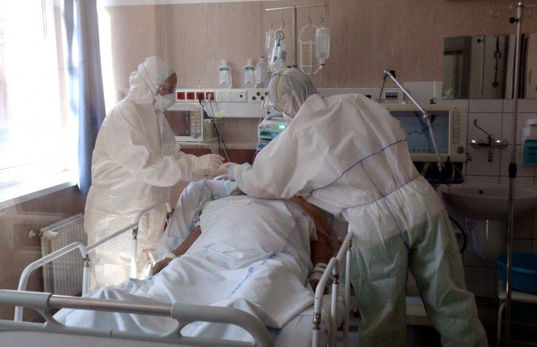 Még hetekig nőni fog a megbetegedések száma az egészségügyi miniszter szerint