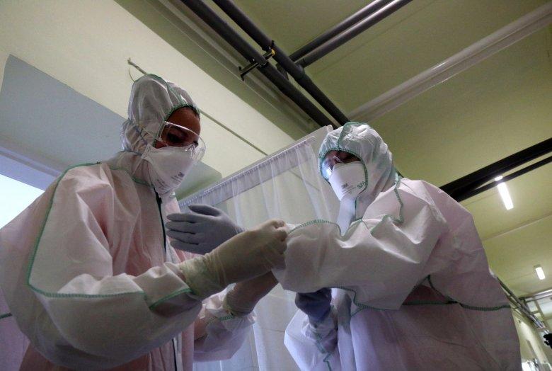 Három hét múlva várható a járvány tetőzése az egészségügyi miniszter szerint