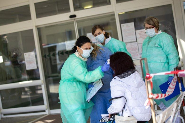 2500-hoz közelít a romániai koronavírus-fertőzöttek száma