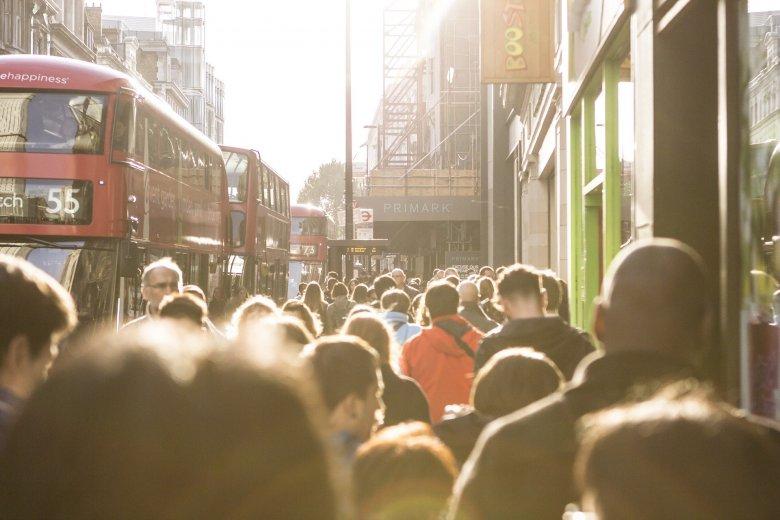 Egy ezrelékre csökkent a koronavírus-fertőzöttek aránya Nagy-Britanniában