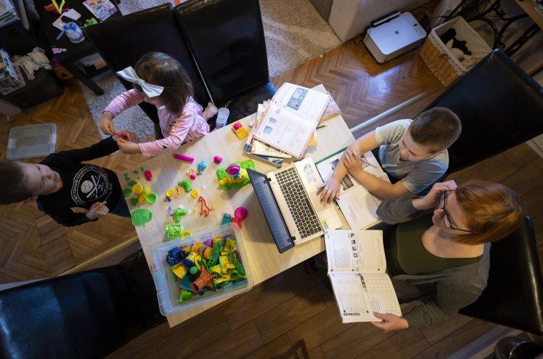 Jár a szabadnap a gyerekfelügyeletre a vakációban is