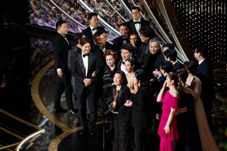Az Élősködők tarolt – az Oscar-díjak történetében először lett idegen nyelvű a legjobb film