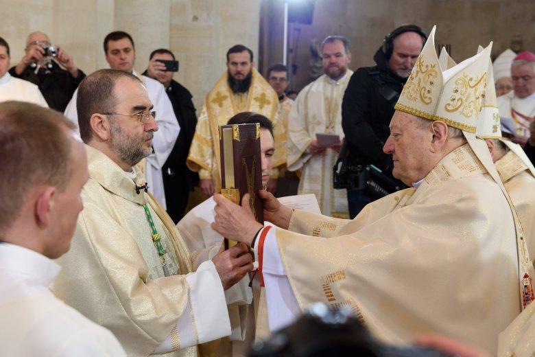 Püspökké szentelték és beiktatták Gyulafehérvár érseki székébe Kovács Gergelyt