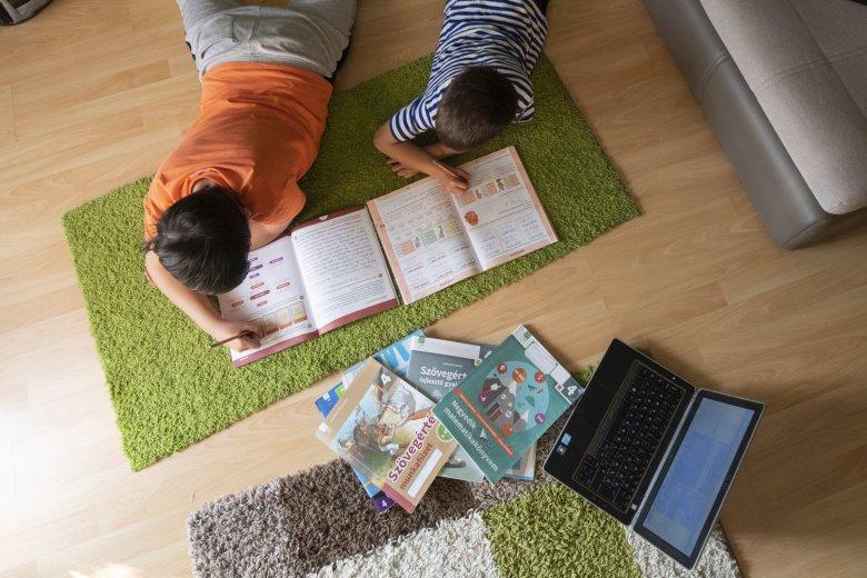 Sulitévé indul az otthoni oktatás segítésére