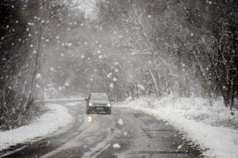 Szokatlan hideg, hóviharok várhatók a héten több erdélyi megyében