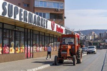 Nem baj, ha silányabb minőségű, csak olcsó legyen – Még mindig az ár alakítja a keresletet Romániában