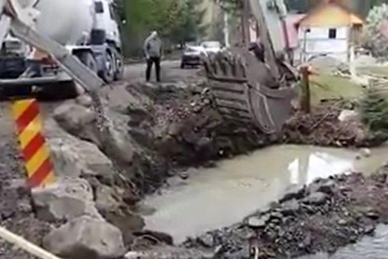 Feljelentésbe torkollt a levideózott ivói betonöntéses hídépítés
