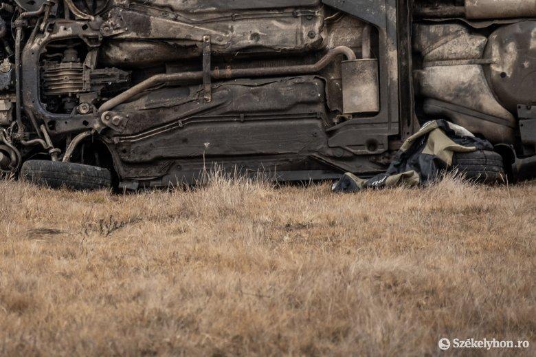 Életveszélyesen megsérült egy Apoldon balesetező férfi