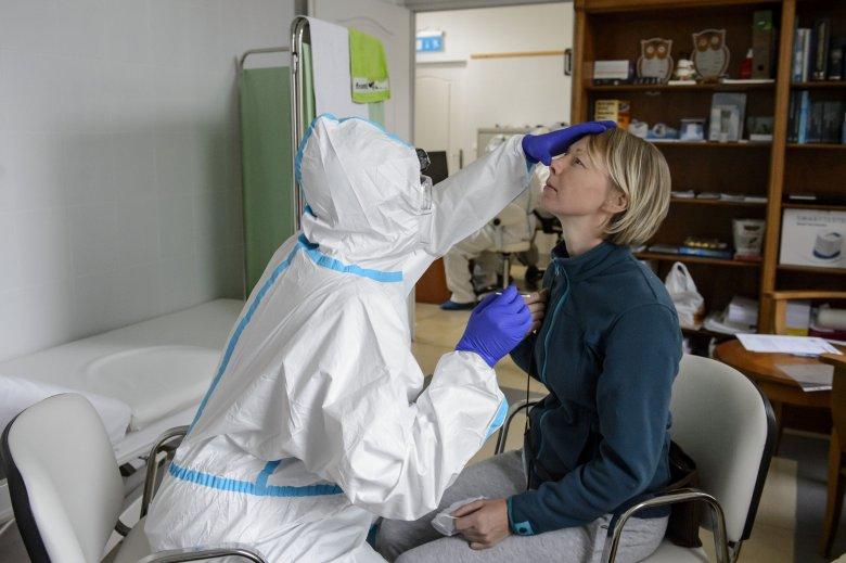 Amerikai kutatók szerint egyes antiszeptikumok és szájvizek képesek lehetnek a koronavírus hatástalanítására