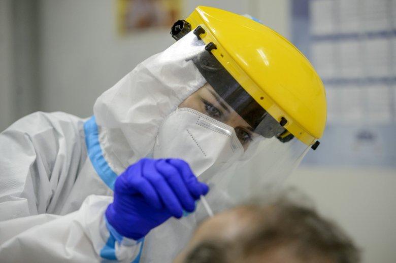 Szabadulna a kórházból a 98 éves, koronavírussal fertőzött, de tünetmentes hölgy