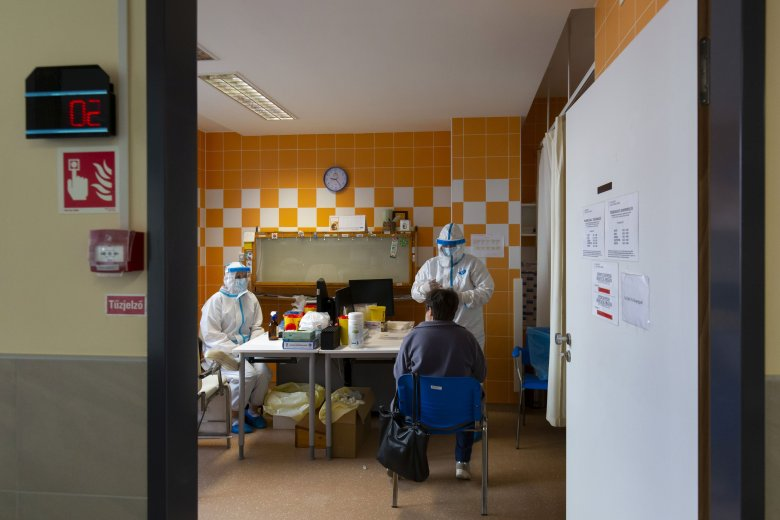Jóval több személyt nyilvánítottak gyógyultnak, mint ahány fertőzést igazoltak