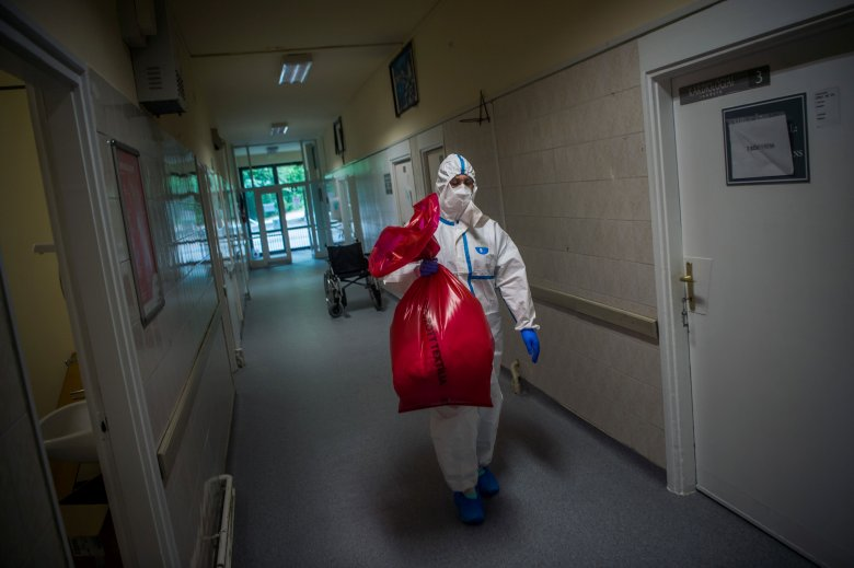 Meghaladta a négyezret az elmúlt egy napban regisztrált fertőzöttek száma