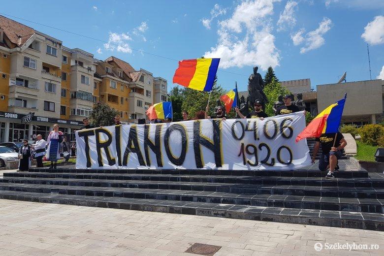 A trianoni évforduló apropóján ünnepeltek a románok Sepsiszentgyörgyön